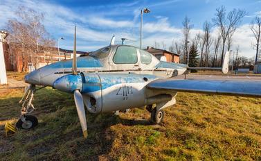 - -  LET L-200 Morava