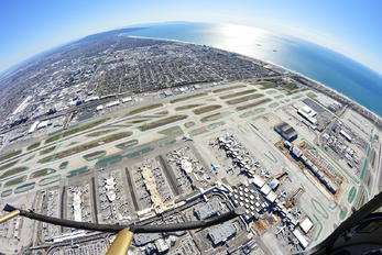 KLAX - - Airport Overview - Airport Overview - Overall View