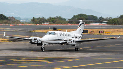 HP-1588 - Private Beechcraft 300 King Air 350