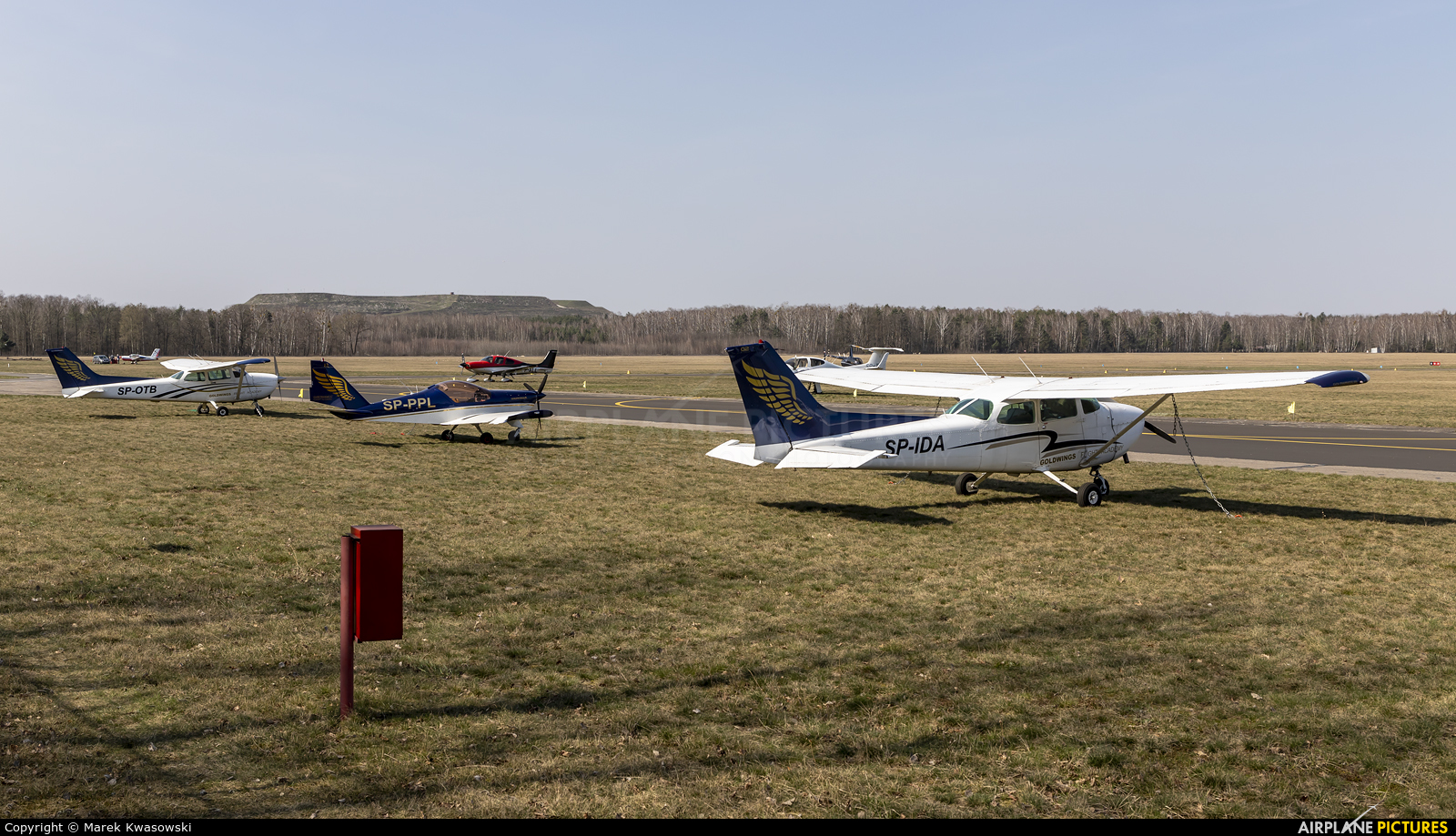 - Airport Overview EPBC aircraft at Warsaw - Babice