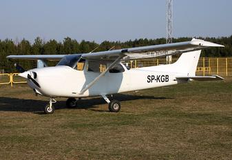 SP-KGB - Private Cessna 172 Skyhawk (all models except RG)
