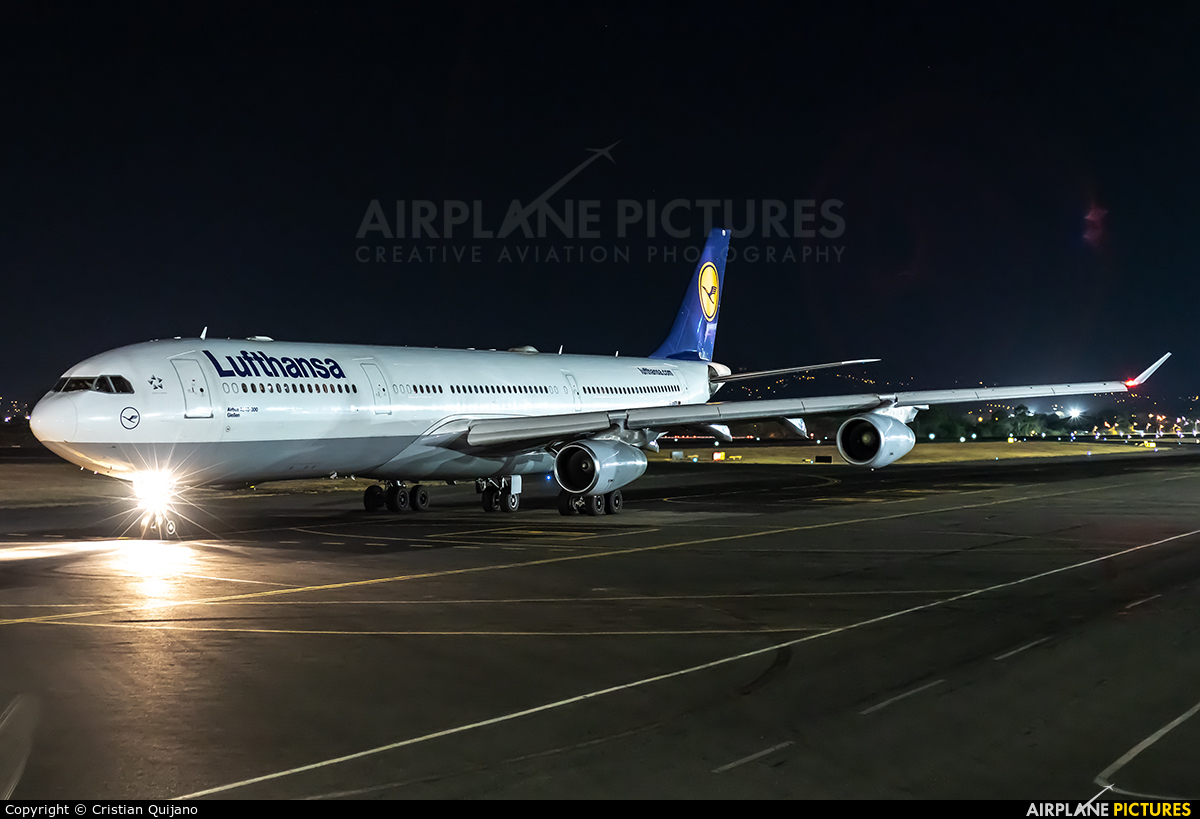 Lufthansa D-AIFD aircraft at San Jose - Juan Santamaría Intl