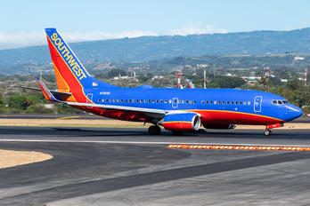 N7814B - Southwest Airlines Boeing 737-700