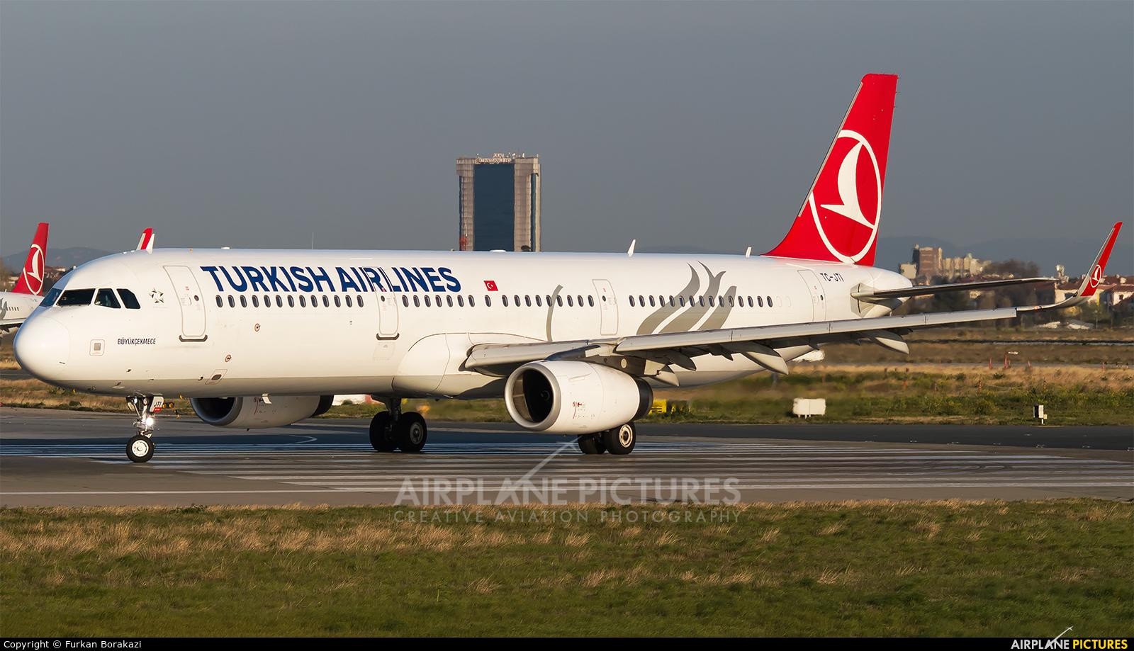 Turkish Airlines TC-JTI aircraft at Istanbul - Ataturk