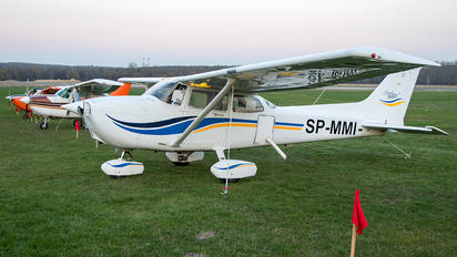 SP-MMI - Private Cessna 172 Skyhawk (all models except RG)