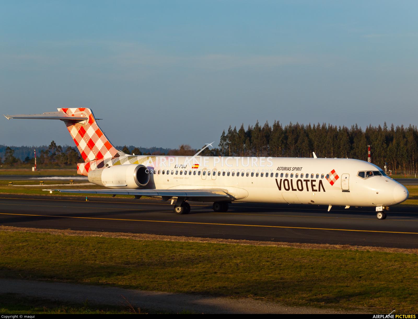Volotea Airlines EI-FBJ aircraft at Santiago de Compostela