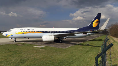 VT-JTG - Jet Airways Boeing 737-800