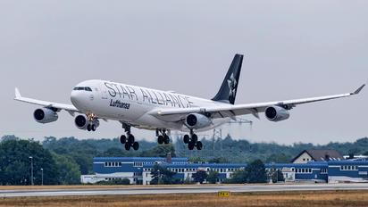 D-AIGX - Lufthansa Airbus A340-300