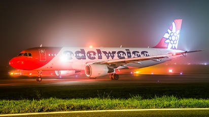 HB-IHZ - Edelweiss Airbus A320