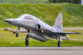 J-3205 - Switzerland - Air Force Northrop F-5F Tiger II