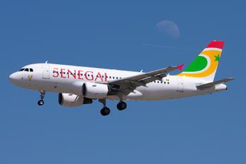 EC-KBX - Senegal Airlines Airbus A319