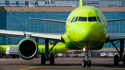 VP-BHF - S7 Airlines Airbus A319