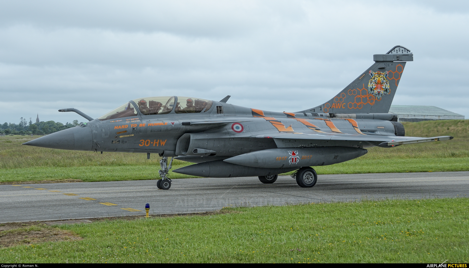 France - Air Force 324 aircraft at Landivisiau