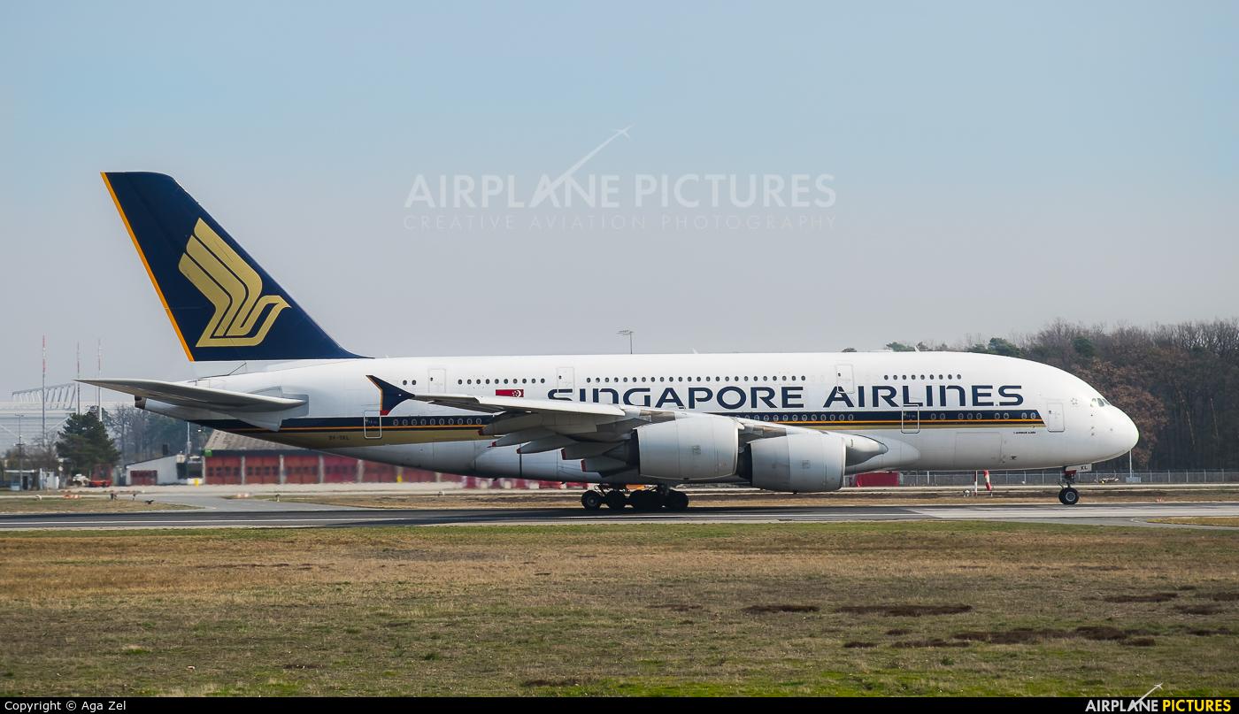 Singapore Airlines 9V-SKL aircraft at Frankfurt