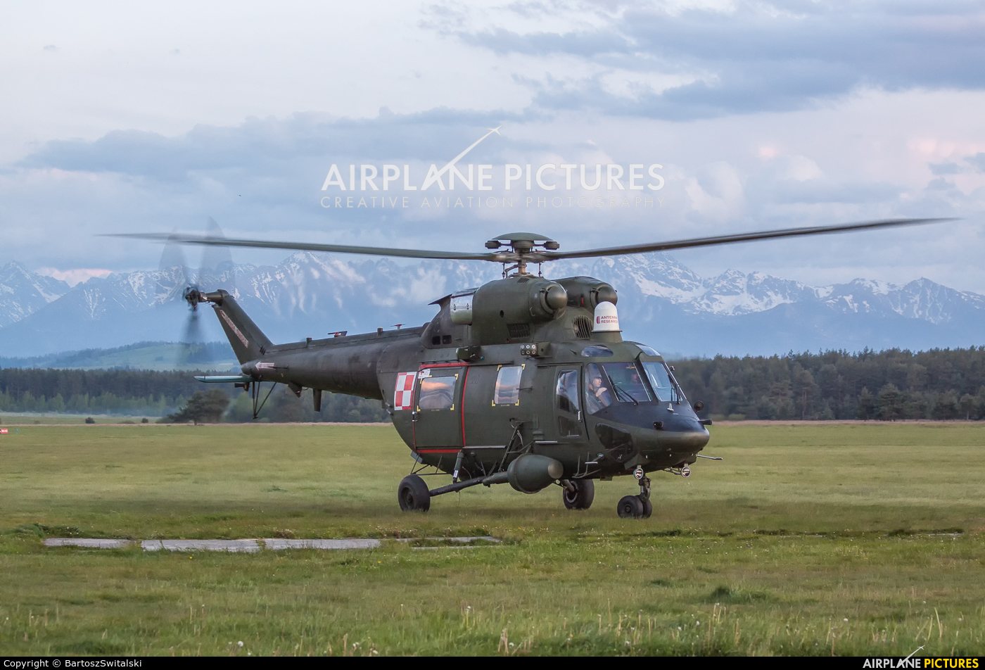 Poland - Army 0907 aircraft at Nowy Targ