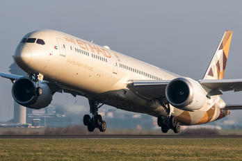 A6-BME - Etihad Airways Boeing 787-10 Dreamliner