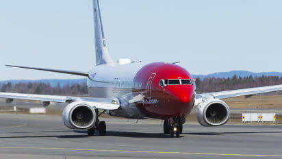 LN-DYO - Norwegian Air Shuttle Boeing 737-800