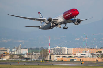 LN-LNS - Norwegian Air International Boeing 787-9 Dreamliner