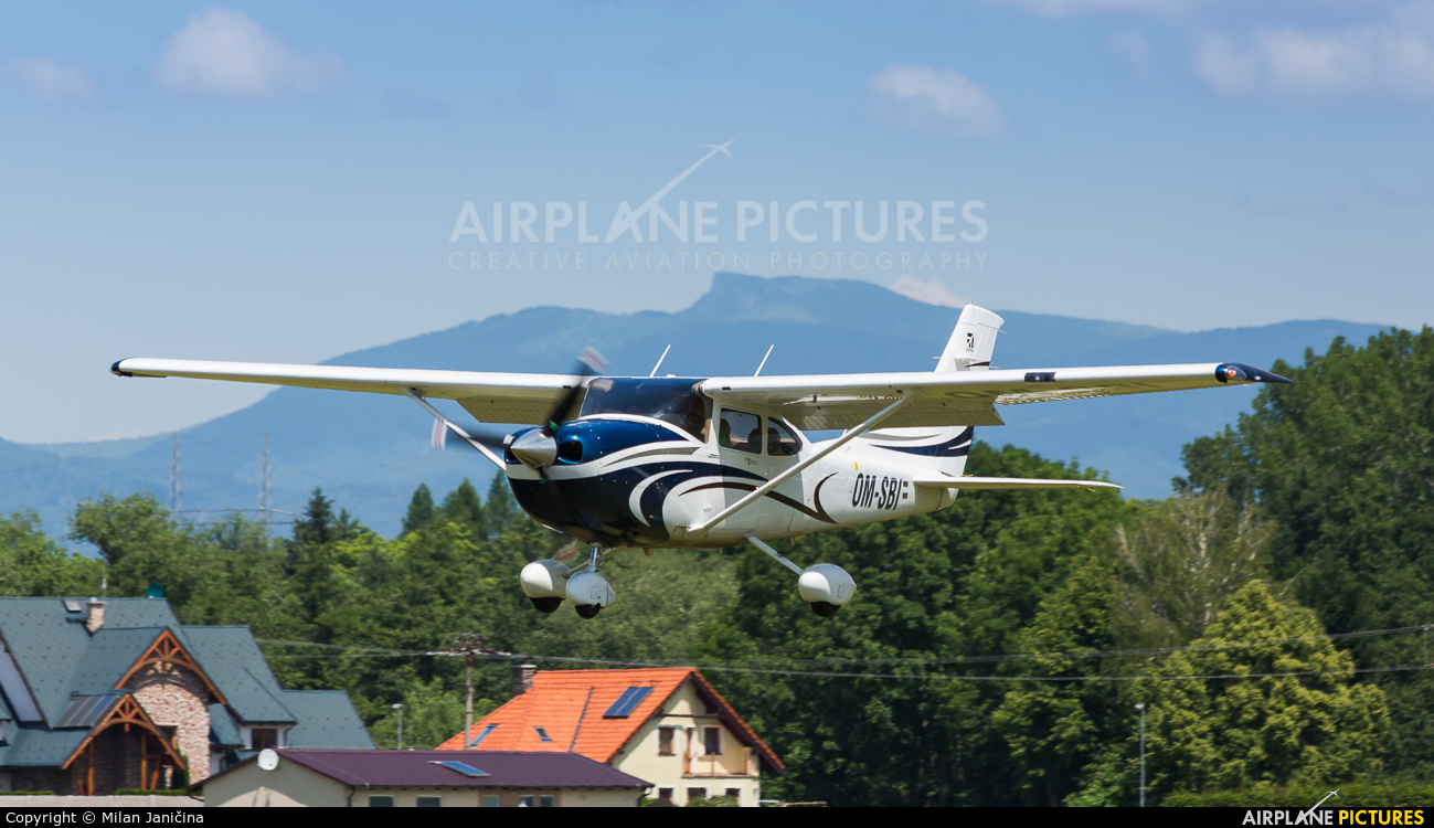 Private OM-SBI aircraft at Prievidza