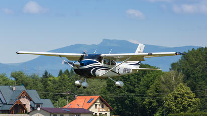OM-SBI - Private Cessna 182T Skylane