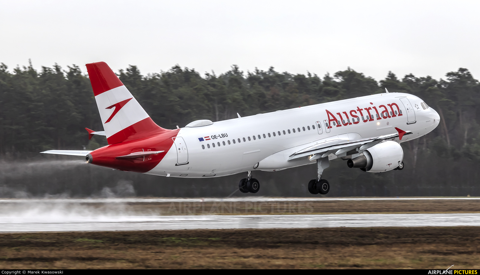 Austrian Airlines/Arrows/Tyrolean OE-LBU aircraft at Frankfurt