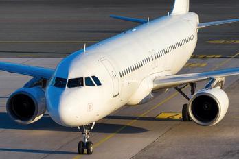 ES-SAO - SmartLynx Estonia Airbus A320