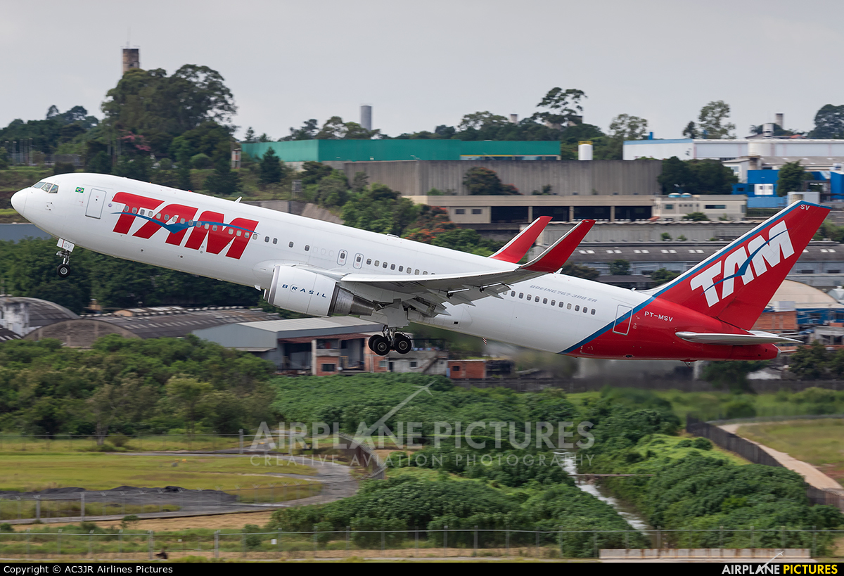 TAM PT-MSV aircraft at São Paulo - Guarulhos