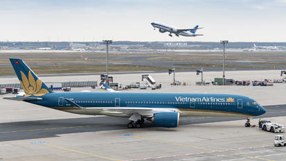 VN-A895 - Vietnam Airlines Airbus A350-900