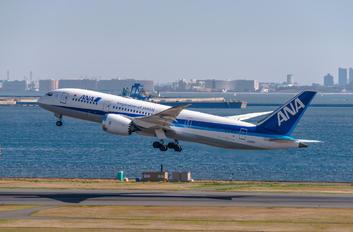 JA811A - ANA - All Nippon Airways Boeing 787-8 Dreamliner