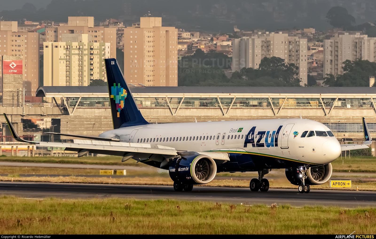 Azul Linhas Aéreas PR-YRA aircraft at São Paulo - Guarulhos