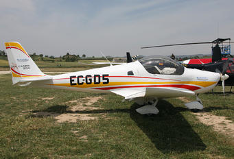 EC-GD5 - Private Skyleader Skyleader 200