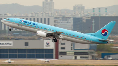 HL7708 - Korean Air Boeing 737-900