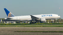 N77012 - United Airlines Boeing 777-200ER aircraft