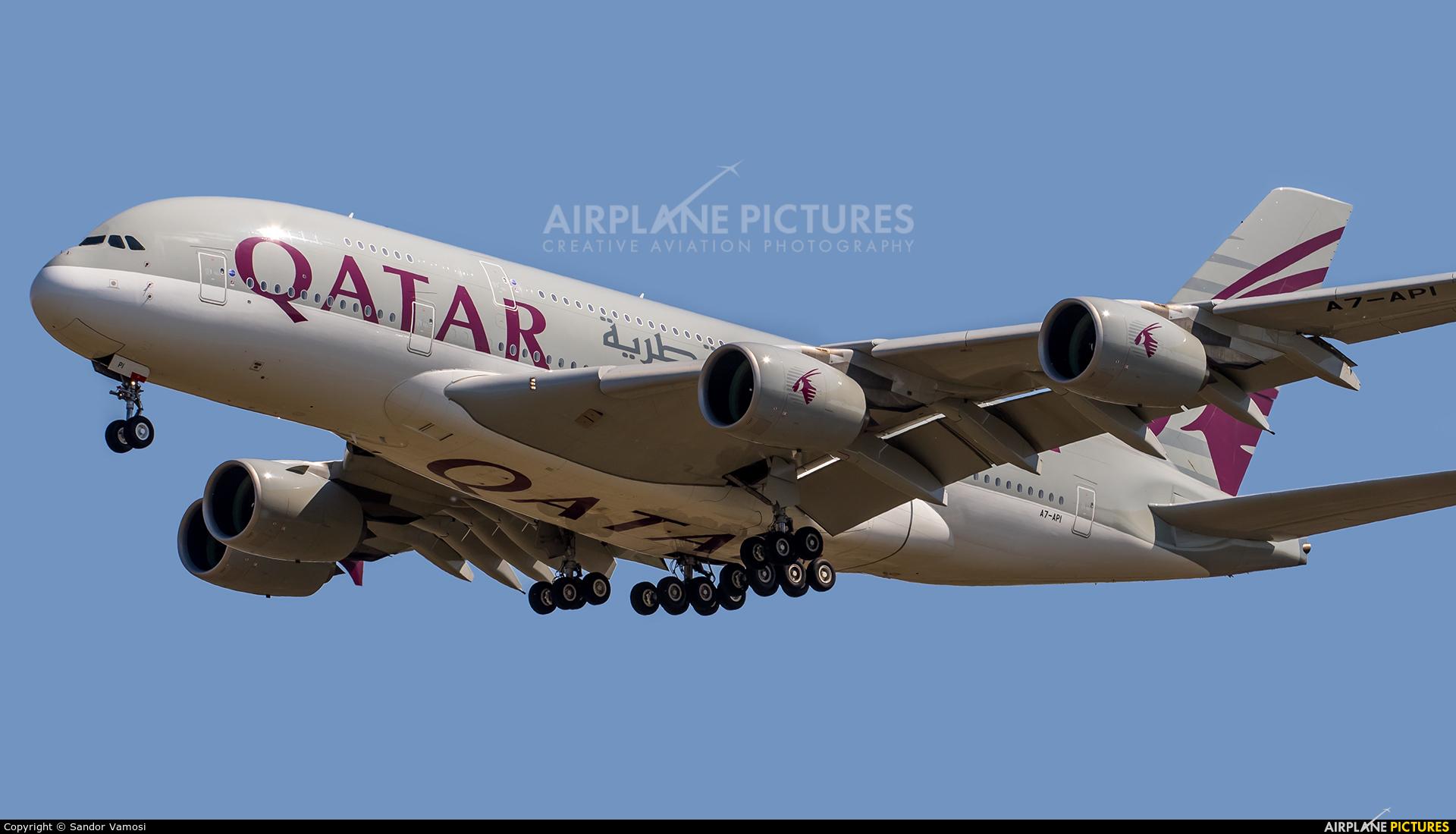 Qatar Airways A7-API aircraft at Budapest Ferenc Liszt International Airport