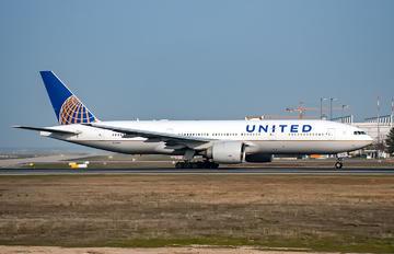 N74007 - United Airlines Boeing 777-200ER