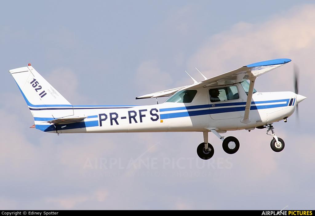 EJ Escola de Aeronáutica PR-RFS aircraft at Jundiaí, SP
