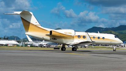 N913MK - Private Gulfstream Aerospace G-IV,  G-IV-SP, G-IV-X, G300, G350, G400, G450