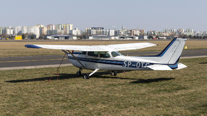 SP-OTC - Goldwings Flight Academy Cessna 172 Skyhawk (all models except RG)