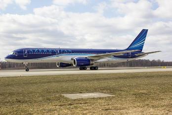 4K-AZII - Azerbaijan Airlines Boeing 757-200