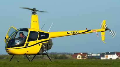 A74BJJ - Private Robinson R-22 Beta II