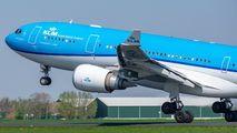 PH-AOM - KLM Airbus A330-200 aircraft
