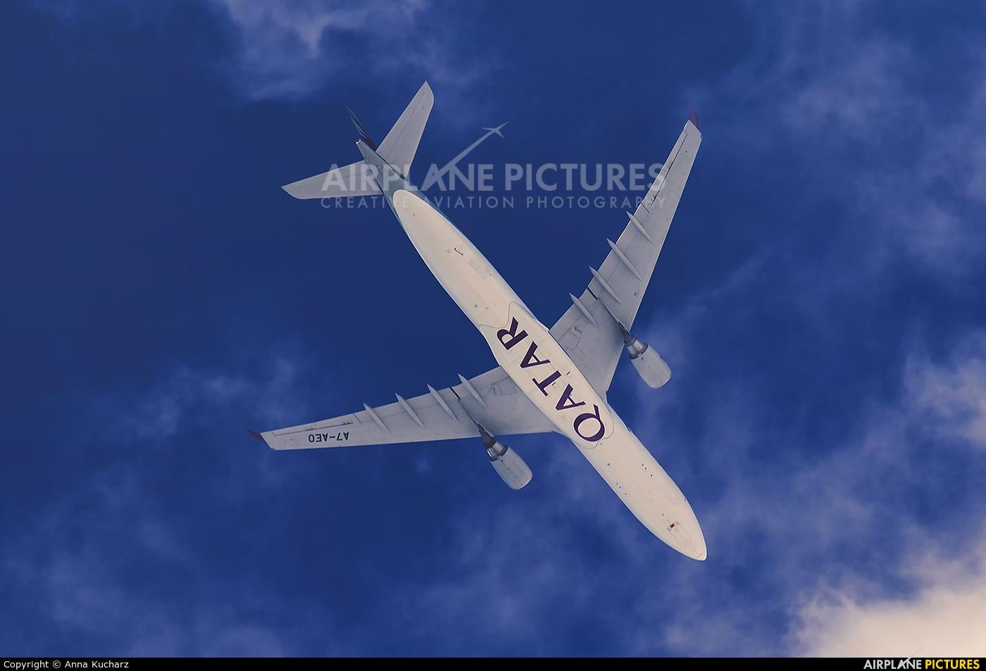 Qatar Airways A7-AEO aircraft at Warsaw - Off Airport