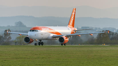 OE-INP - easyJet Europe Airbus A320