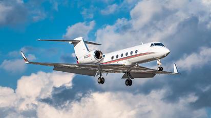 N425QS - Netjets (USA) Gulfstream Aerospace G-IV,  G-IV-SP, G-IV-X, G300, G350, G400, G450