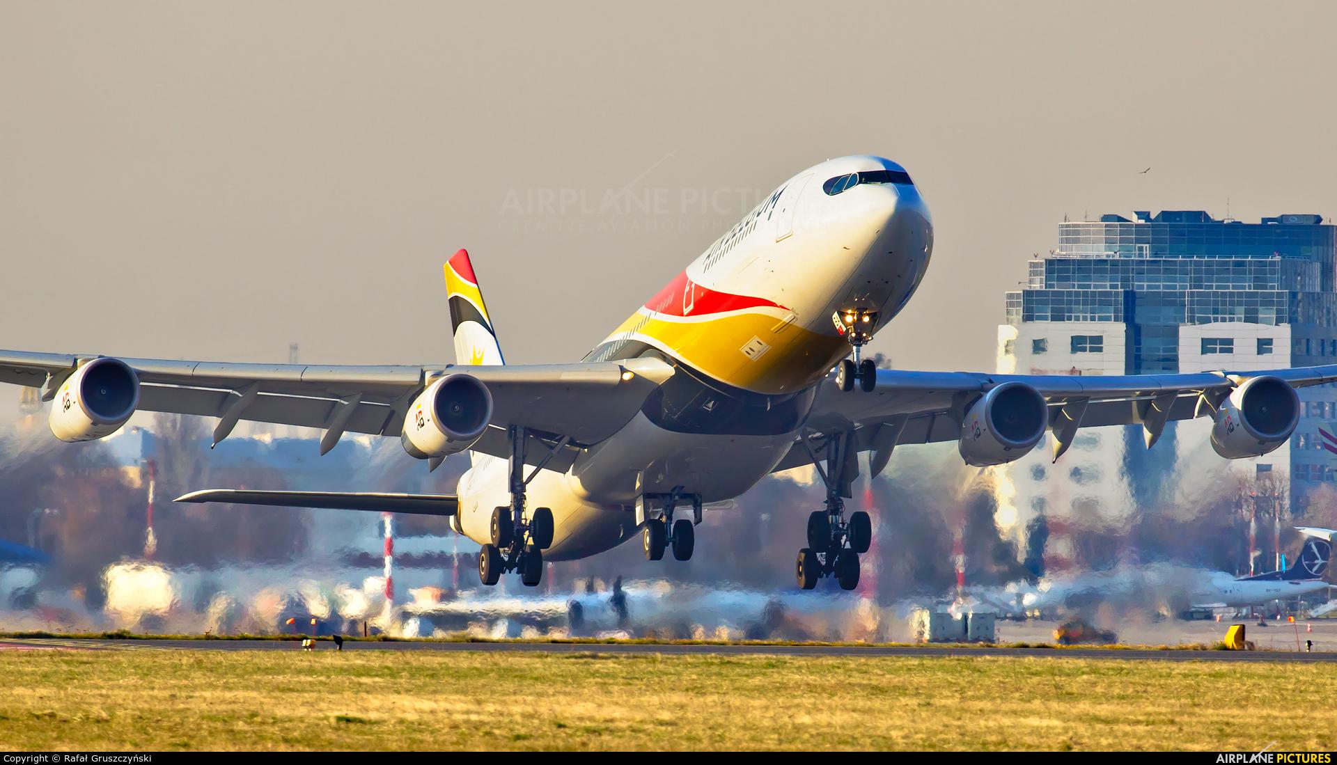 Air Belgium OO-ABA aircraft at Warsaw - Frederic Chopin
