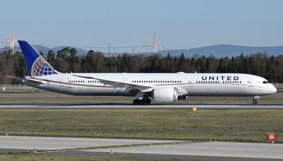 N12005 - United Airlines Boeing 787-10 Dreamliner