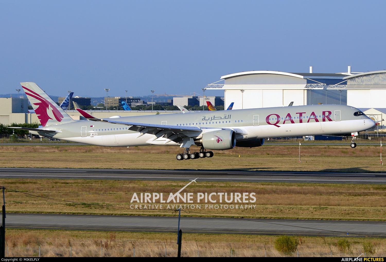 Qatar Airways F-WZGK aircraft at Toulouse - Blagnac