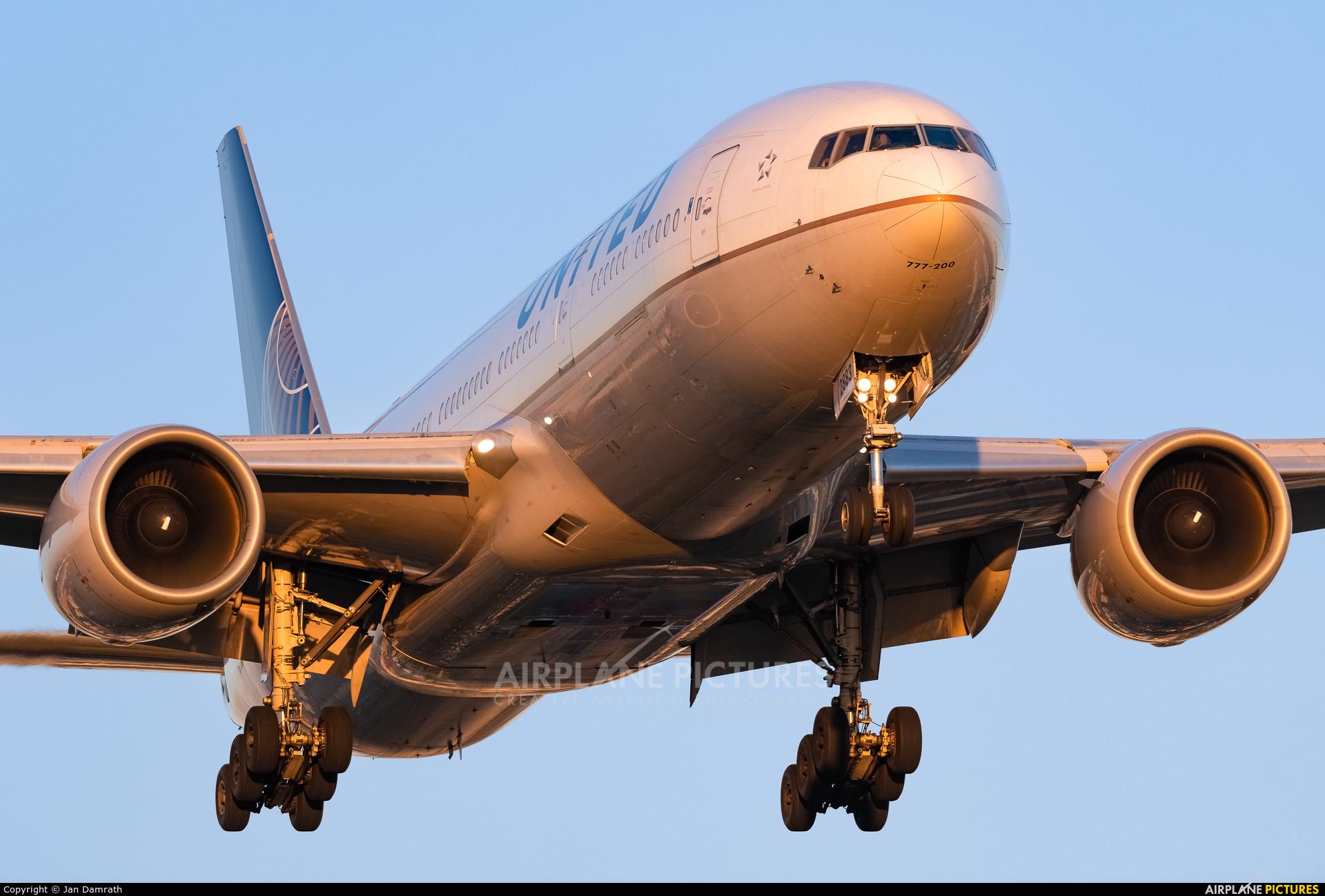 United Airlines N783UA aircraft at Frankfurt