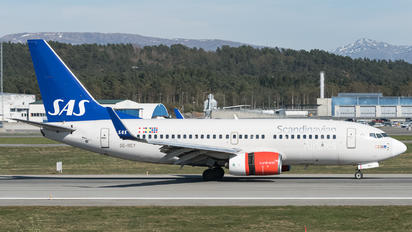 SE-RAY - SAS - Scandinavian Airlines Boeing 737-700