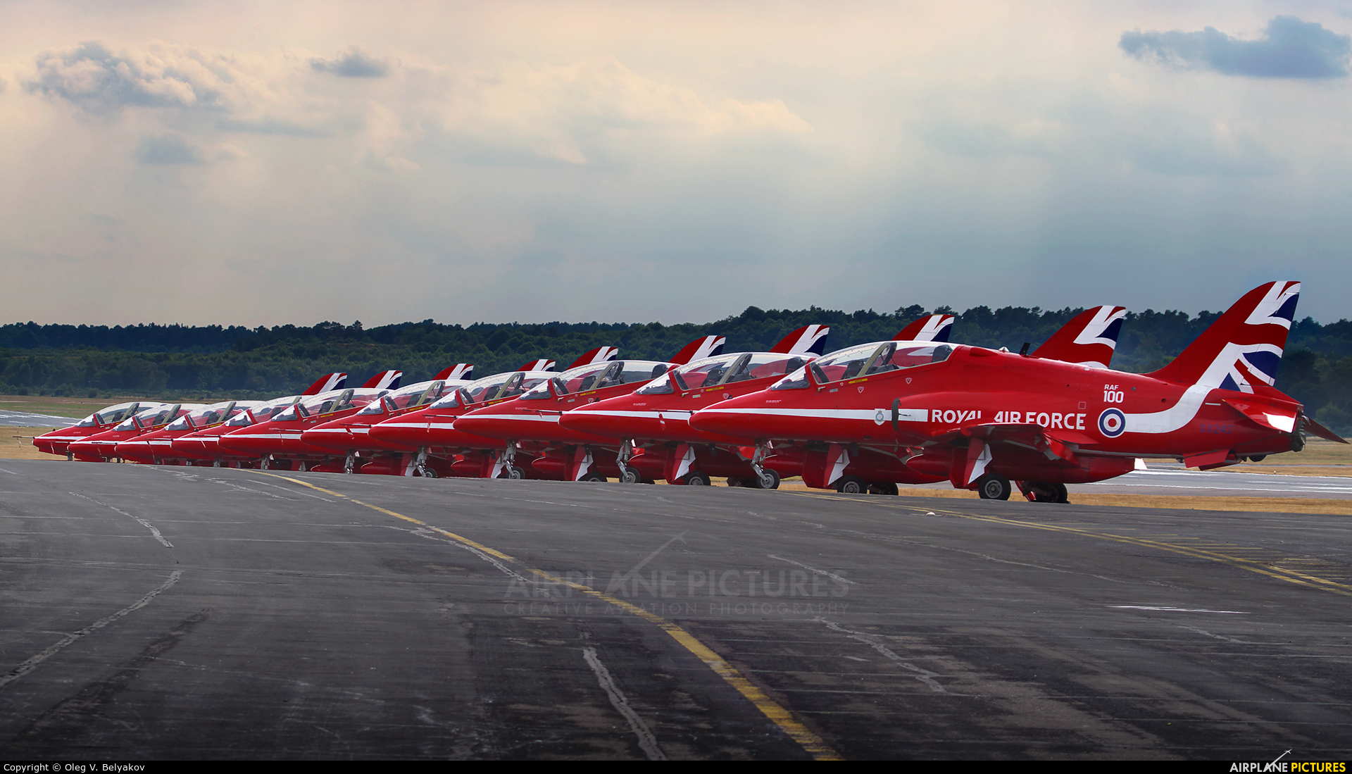 "Royal Air Force ""Red Arrows"" XX242 aircraft at Farnborough"